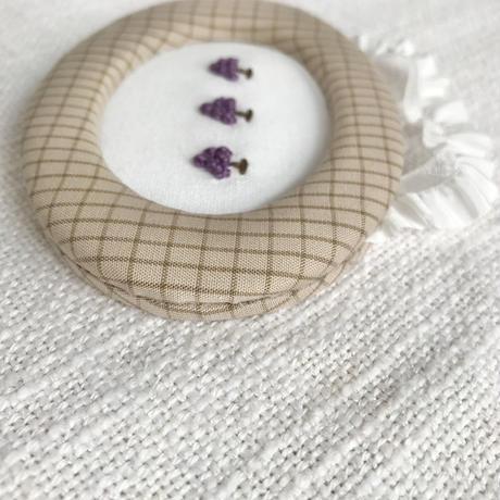 藤色  |  ぷっくりフルーツの額飾り(小)/  ぶどう × ベージュ