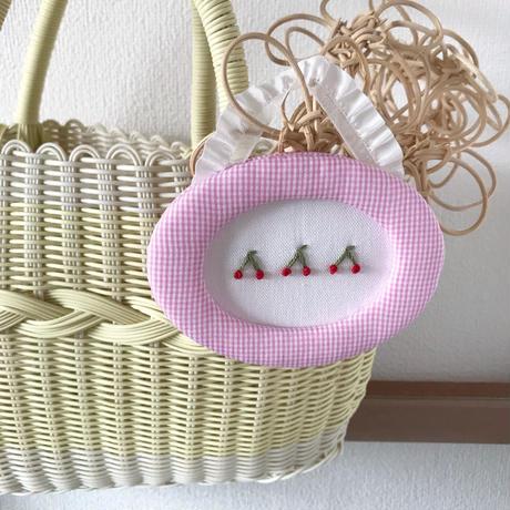 藤色  |  ぷっくりフルーツの額飾り(小)/  さくらんぼ × ピンク