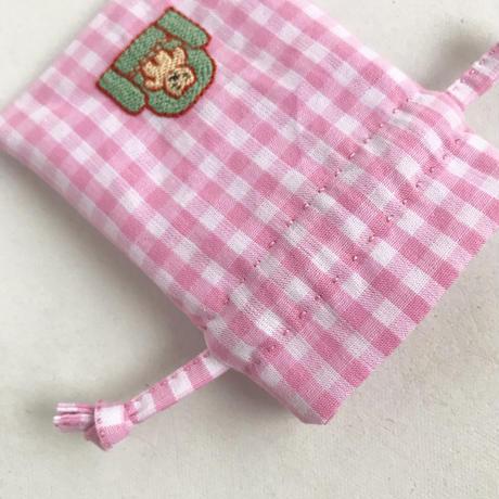 namakekakemono | 小さい巾着/ ソファを占領するくま