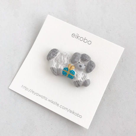 eikobo  |  brooch
