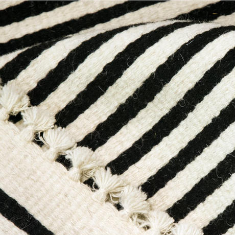 Tikau 手織りラグ:「マリン」