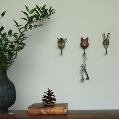 Wildlife Garden 手彫りアニマル・フック:イノシシ