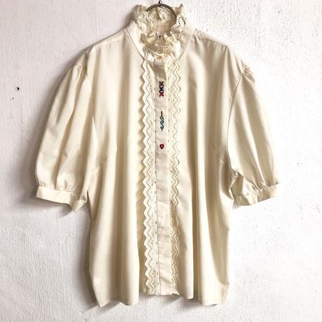 VINTAGE 刺繍入りチロルブラウス(IVORY)[7150]