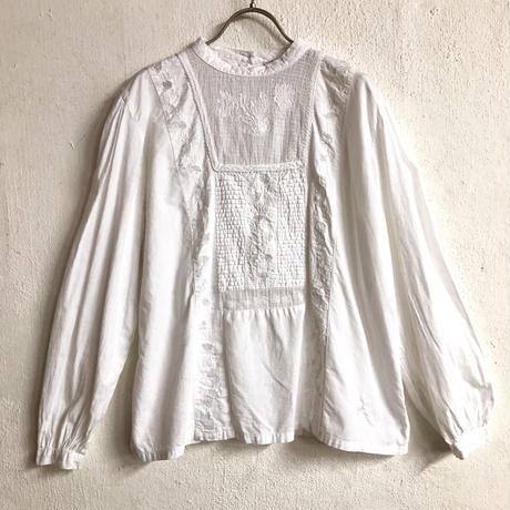 1970'S VINTAGE お花刺繍デザインスタンドカラーブラウス(WHITE)[7151]