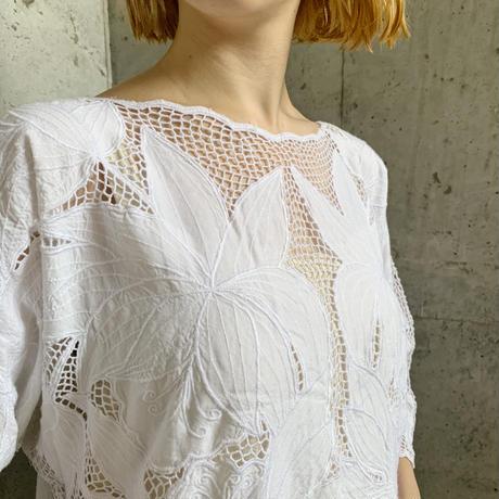 used ホワイト 花刺繍 カットワークレース トップス[9589]