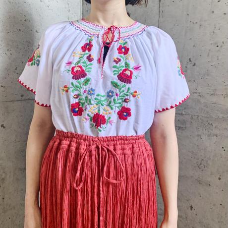 ハンガリー カロチャ刺繍 赤いお花 ブラウス[9552]