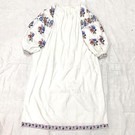 1920'S-50'S アンティーク ウクライナ刺繍ワンピース(WHITE)[7027]