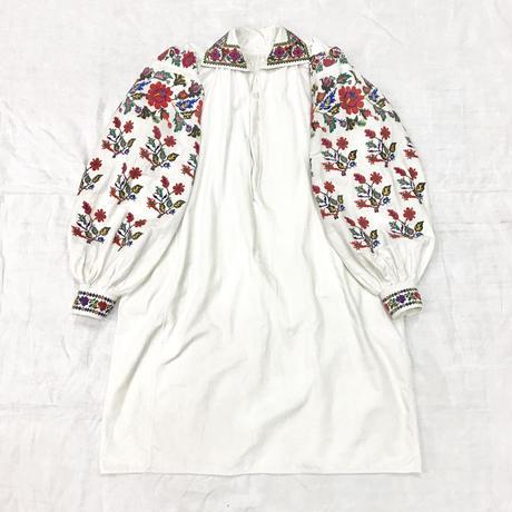 1920'S アンティーク ウクライナ刺繍ワンピース(WHITE)[7024]