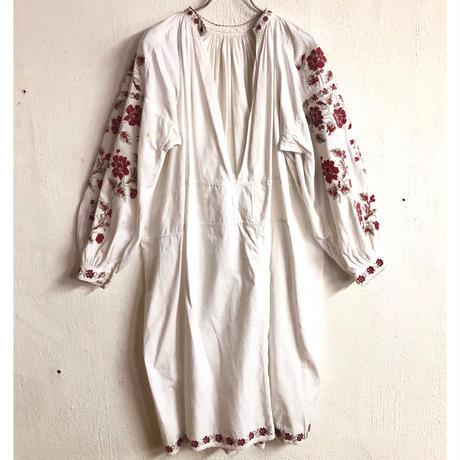 1920'S ANTIQUE お花柄ウクライナ刺繍ドレス(WHITE)[7158]