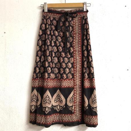 1970'S VINTAGE 「ANOKHI」インド綿ラップスカート(RED × BLACK)[7164]