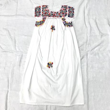 1970'S VINTAGE メキシコサンアントニオ刺繍ワンピース(WHITE)[7064]