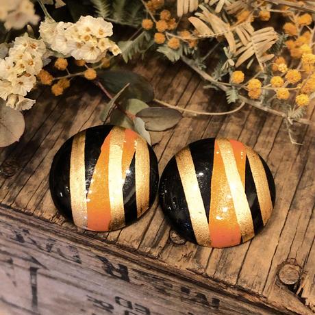 vintage 黒にゴールド・オレンジライン ウッドイヤリング[0157]