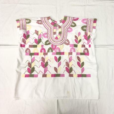 1970'S VINTAGE メキシコ刺繍ウィピルトップス(WHITE × PINK)[7084]