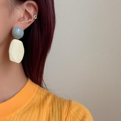 Vintage acrylic pierce/ earring