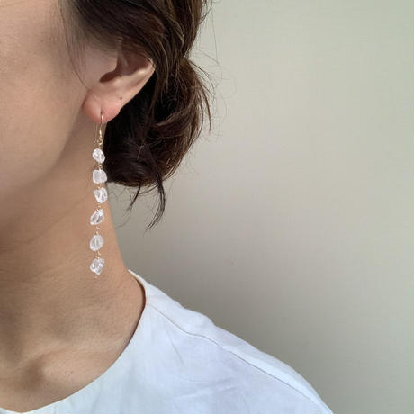 Quatz long earring