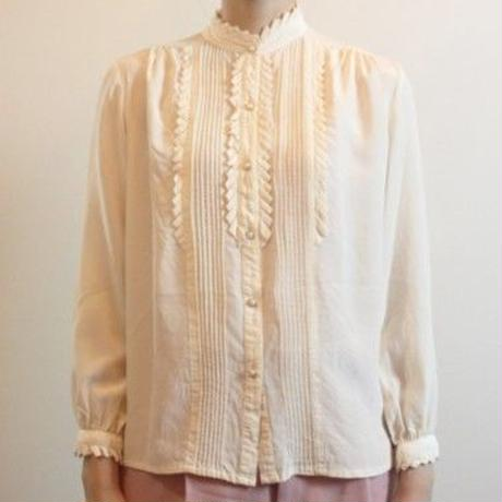 T218 1980s Silk Ivory Blouse