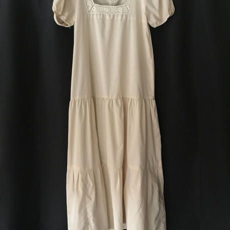 1970s puff sleeve dress