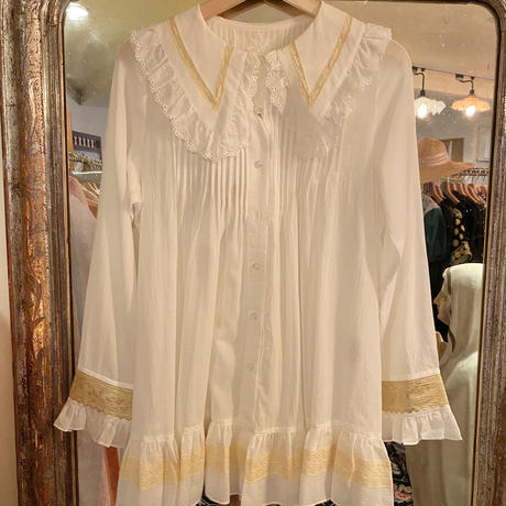 overlace blouse