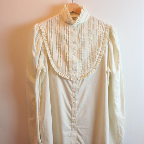 T244 LAURA ASHLEY blouse
