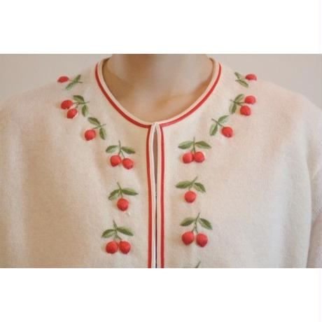 K35 1960s Cherry Embroidered China Cardigan