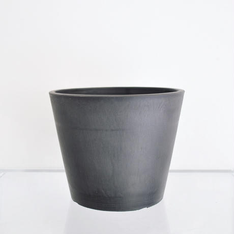 plastic pot L / Black