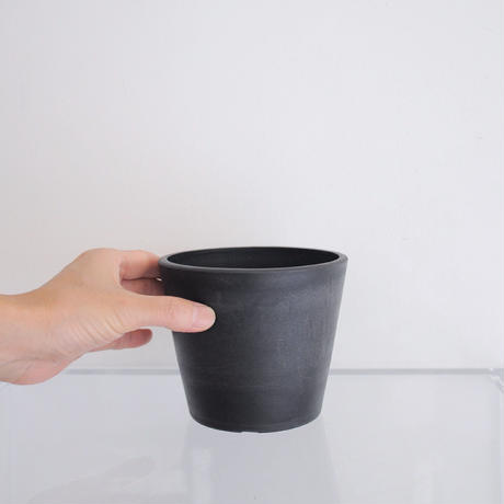 plastic pot S / Black