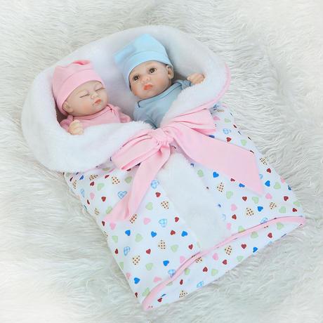 リボーンドール 男女の双子ちゃんセット フルシリコンビニール リアル赤ちゃん人形 ミニサイズ25cm 入浴可能 かわいいベビー人形 おくるみ毛布つき
