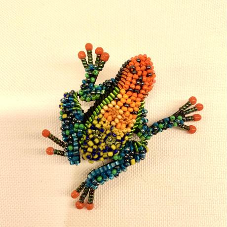 troveloreブローチ 172frog