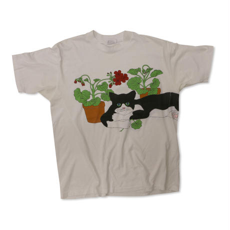UNKNOW CAT USED Tshirts