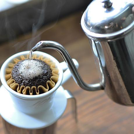 細く注げるステンレスのコーヒーポット