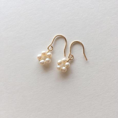 【14kgf】【6月誕生石】淡水パールのプチフラワーピアス【June birthstone】Flower Pearl earrings