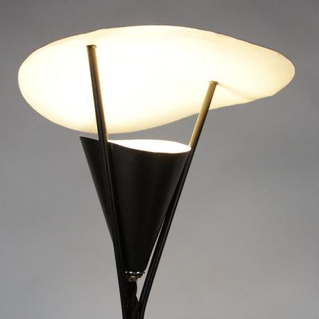 Tripod Table Lamp 02