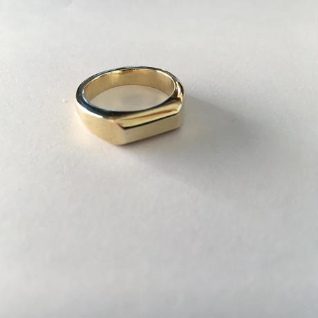 BRASS SIGNET SQUARE RING QUEEN