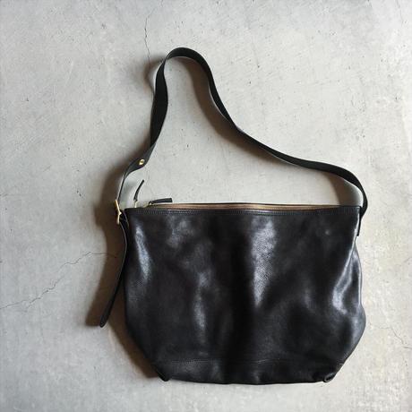 BUCKLE SHOULDER BAG
