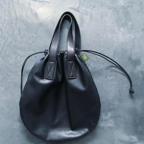 CIRCLE TOTE M-SIZE WATER PROOF GOAT LEATHER