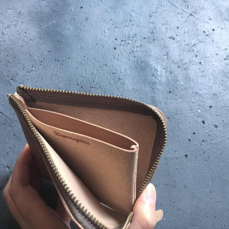 ONE LEATHER ZIP WALLET