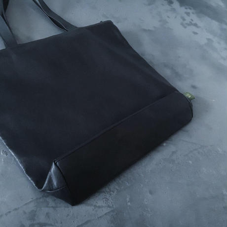 ZIP TOTE WATER PROOF GOAT LEATHER