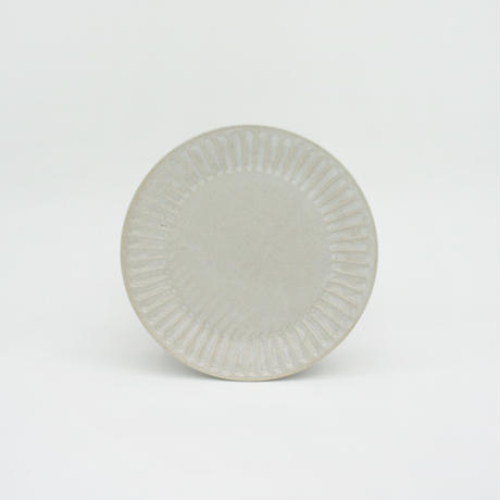 【M042wh】パンとごはんと... ひらひらの器 ROUND PLATE S white