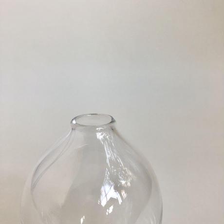 奥 泰我  /  standard  一輪挿し  ( b )