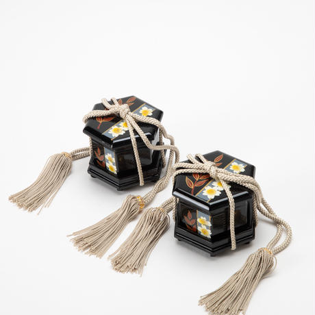 京十番親王飾「川島織物:狩猟文錦」