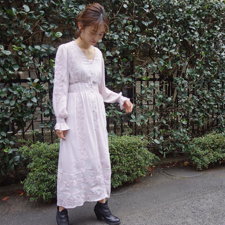 <ADIRA>embroidery crepe one-piece AR181OP06