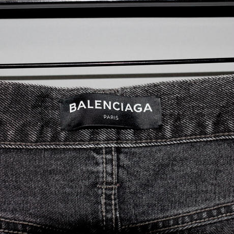 BALENCIAGA / Washed denim jeans
