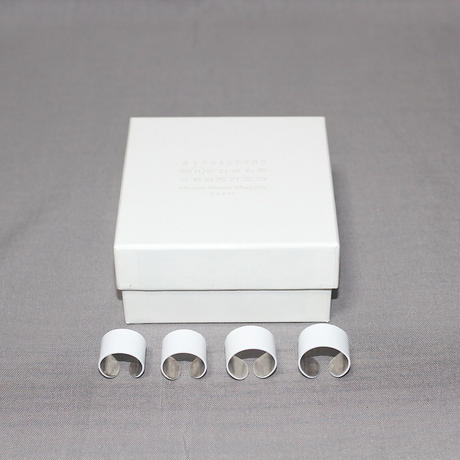 Last only one left!  Maison Margiela / White coated 4 brass rings