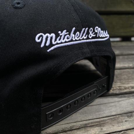 Mitchell&Ness ミッチェル&ネス Chicago シカゴ Bllus ブルズ 公式 Stripz スナップバックキャップ