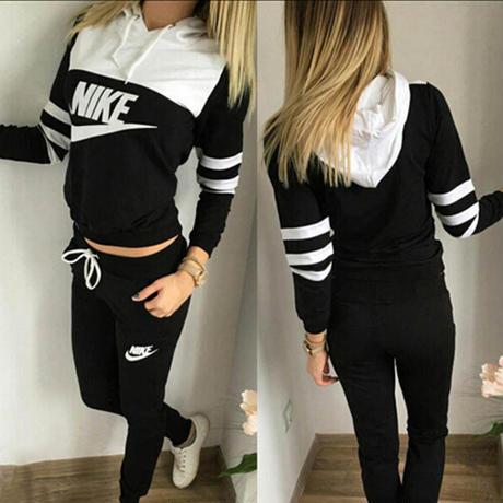 Nike風長袖パーカーセット 美品 部屋着 Nike好きに 秋  秋物  秋服 パーカー レディース