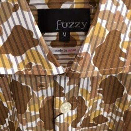 fuzzy カモフラストライプシャツ