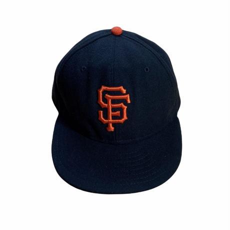 """NEW ERA"" San Francisco Giants baseball cap / size 7 1/2 , 7 3/8 / color:black / made in USA"