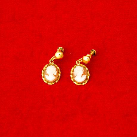 vintage cameo earring #E-23