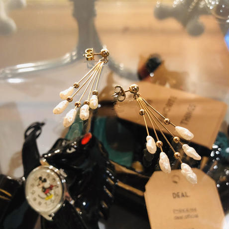vintage pearl pierce #E/17
