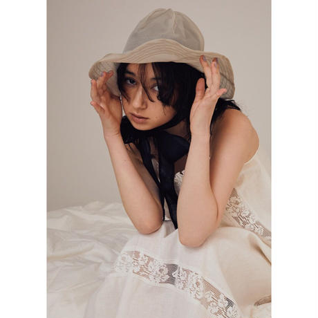 see-through hat / moss gray